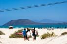 http://www.alohasurfacademy.ch/wp-content/uploads/surf_school_fuerteventura_5-940x799.jpg